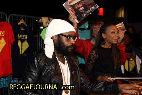 Tarrus Riley and Alaine Cd signing session 2014-10-15 Oosterpoort, Groningen, Holland